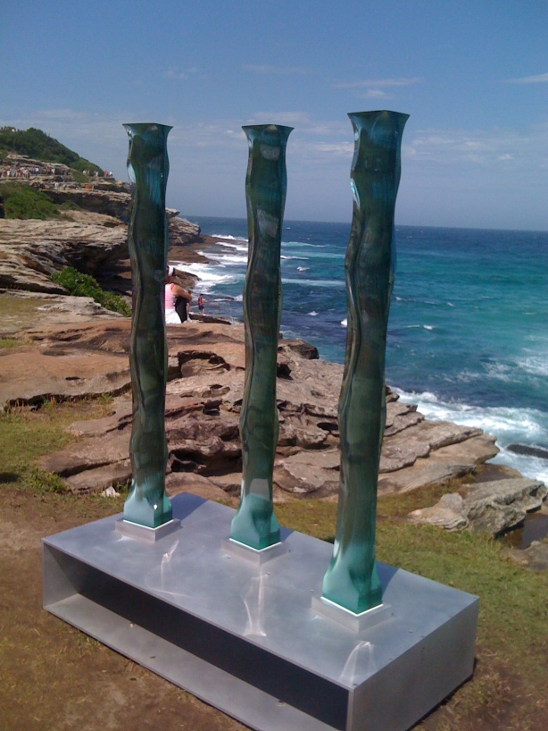 http://bestcityintheworld.files.wordpress.com/2010/11/copy-of-sculptures-by-the-sea-319.jpg?w=614&h=819